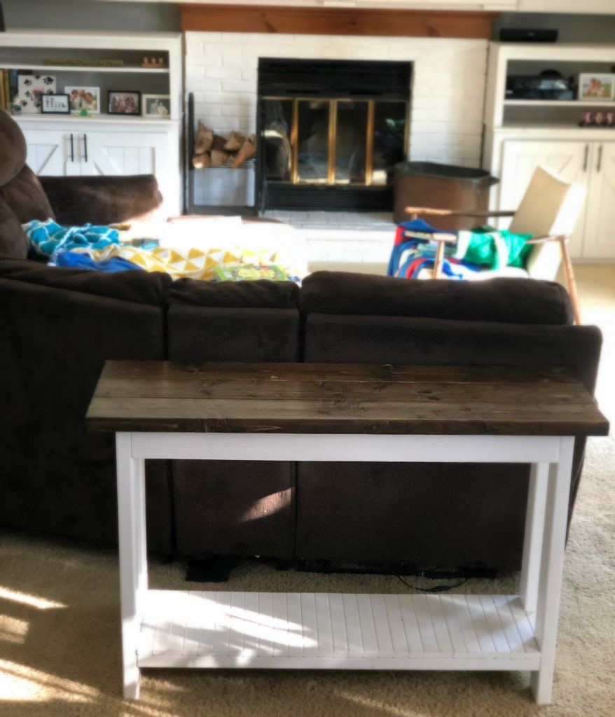 Table to put picture display on