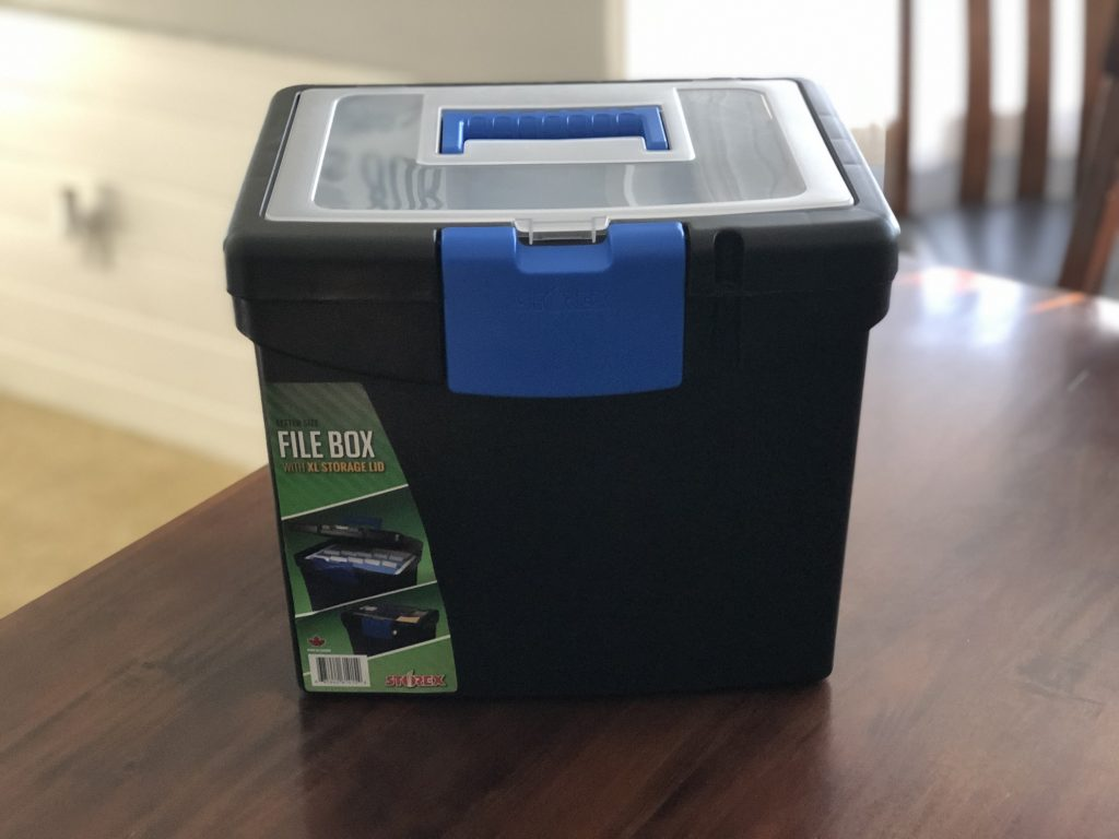 File box to hold the pictures